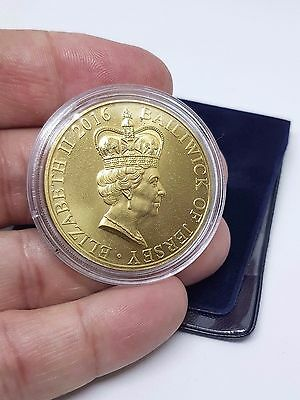 The Queen Elizabeth II 90th Birthday £5 coin, Gold Colour. Limited Edition