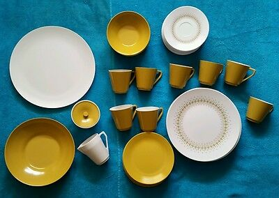 Vintage 44 Piece Set of J. & G. MEAKIN Melmac Dishes - Service for 8