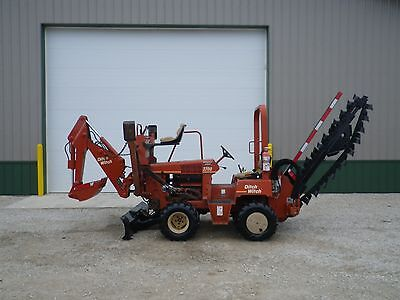 2003  DITCH WITCH 3700 HYDRAULIC TRENCHER A322 BACKHOE VERMEER RT450 908 Hours