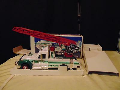 "New in box 1994 Hess Rescue Truck 11"" long green & white w/ ladder headlights"