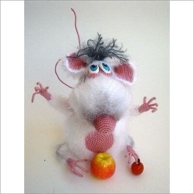 Cute Little Mouse Hand Knitted Woollen Doll Toy