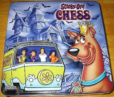 Scooby Doo Chess Set In Metal Tin 100% Complete! Rare! Usaopoly Cartoon Network