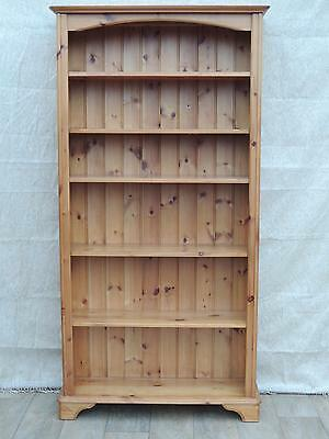 Pine tall wooden bookcase with 5 shelves (Delivery possible)