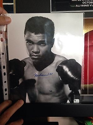 Muhammad Ali Hand Signed Photograph With COA