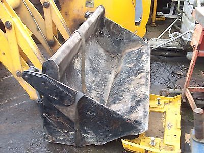 JCB 2CX AIRMASTER 4 in 1 Front Bucket very good condition