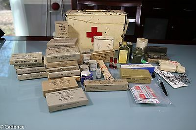 US WW2 or Korea Mountain Troops or Snow Camo Squad Large 1st Aid Kit Complete