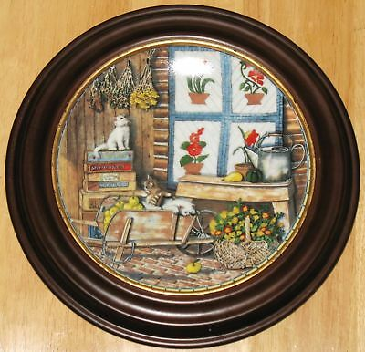 """Collectable  Cat Plate  Knowles """"apple Antics"""""""