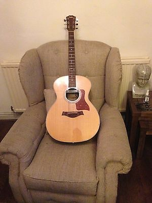 Taylor 214 guitar with pick up and hard case