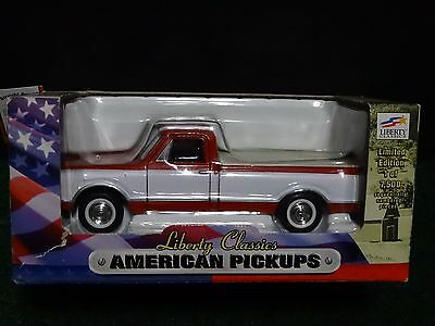 Liberty Classics 1967 Chevy Truck American Pickups Coin Bank 1:25 Scale Diecast