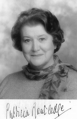 Authentic Signed Patricia Routledge 5 X 3 Keeping Up Appearances Real Sig...coa