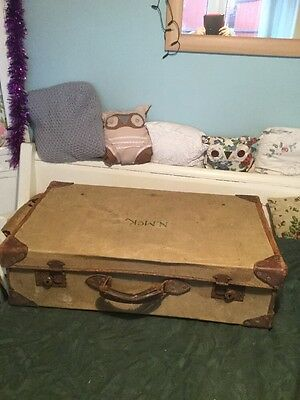 ANTIQUE LEATHER BOUND SUITCASE TRUNK LUGGAGE A.G. & Co.ltd  1946 Tatty