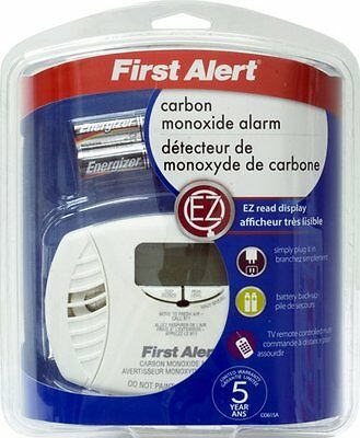 First Alert CO615A Carbon Monoxide Plug-In Alarm with Battery Backup and Digital