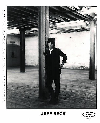 Jeff Beck -  8x10  B&W Record Company Publicity Photo 1999