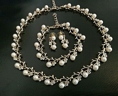 Bridal jewellery pearl and crystal necklace set earrings bracelet wedding set