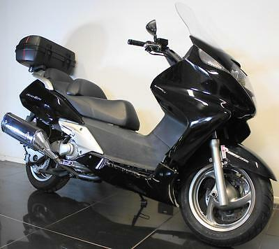 2010 60 Honda Fjs 600 A7 Abs Silver Wing Maxi-Scooter Damaged Repairable/project