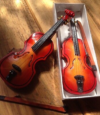 Mini Hancrafted VIOLIN with Bow - Fantastic!!