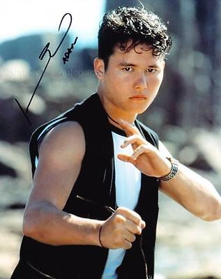 JOHNNY YONG BOSCH - Mighty Morphin Power Rangers GENUINE AUTOGRAPH UACC (R9990)