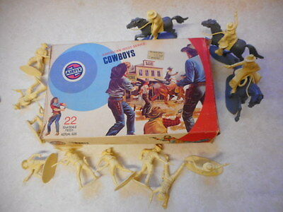 boxed AIRFIX SOLDIERS 132 SCALE AMERICAN WILD WEST cowboys 70'S TARGET BOX
