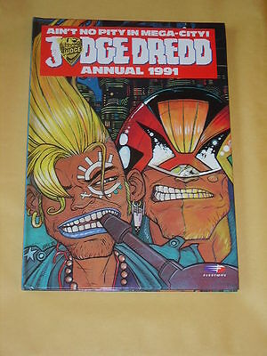 JUDGE DREDD ANNUAL (1991) Superb Condition