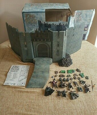 The Lord of the Rings - Armies Of Middle Earth - Battle at Helms Deep + extras