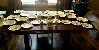 Avon 2003 Sweet Country Harvest Serving For 8 and Extras!!! VERY NICE SET!!!!!
