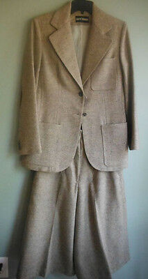 Vintage HARVE BENARD Women's Wool Suit: Blazer and Gaucho Pants, Size 10