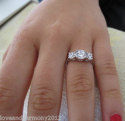 Real solid 14K White Gold Round brilliant cut Engagement Ring