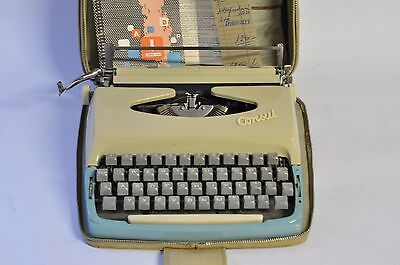Rare Turquoise/Beige Vintage Consul Czechoslovakia Portable Typewriter with Case