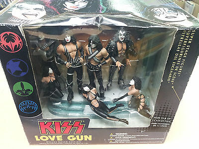 ^ Kiss Love Gun Band Set NEW Deluxe Boxed Edition