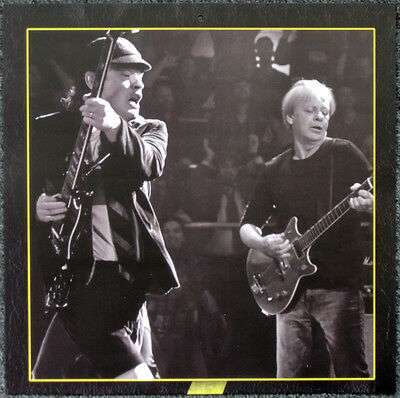 Ac/dc Angus Young & Stevie Young Poster Page . 30 X 30 Cm