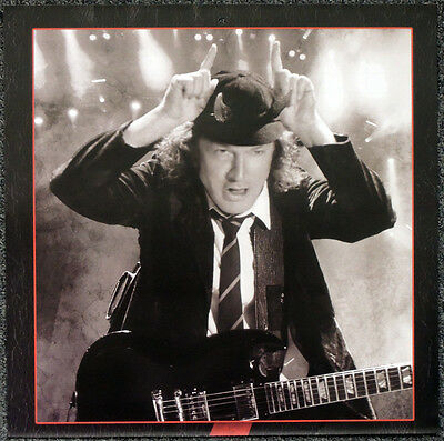 Ac/dc Angus Young Poster Page . 30 X 30 Cm . C