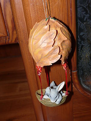 Charming Tails Retired in 1996 Holiday Ballon Ride Ornament Dean Griff with Box