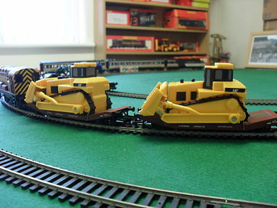Hornby Lowmac with Caterpillar D9R High Drive Bulldozer Load.