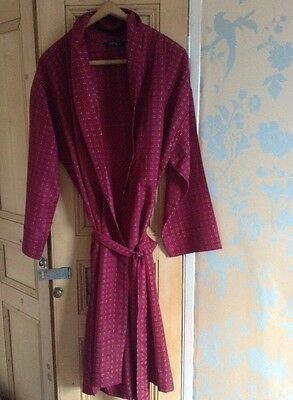 Mens Burgundy And Geometric PatternTootal Dressing Gown Size Medium