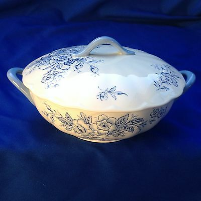 "2 Handled Covered Vegetable Dish Grindley ""Eileen"" - Blue Flowers ( 967)"