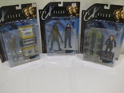 The X Files Fight The Future Action Figures Series 1 1998 McFarlane NIP Lot of 3