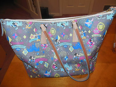 2015 Disney Dooney & Bourke 1/2 Marathon Half Disneyland Bag Handbag Purse Tote
