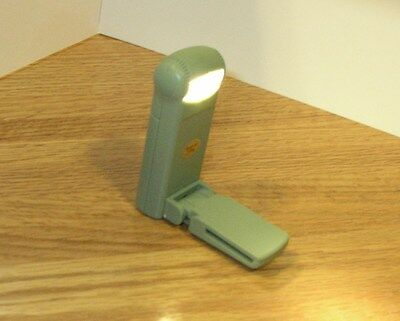 Levenger Book Light - Compact Lite with Fold in Clip - Green