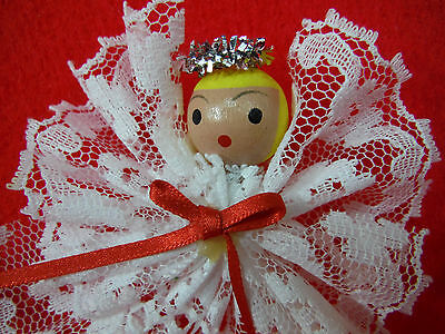 LOT 16 Handmade VINTAGE LACE PIPE CLEANER ANGELS Christmas Ornaments WHITE EUC