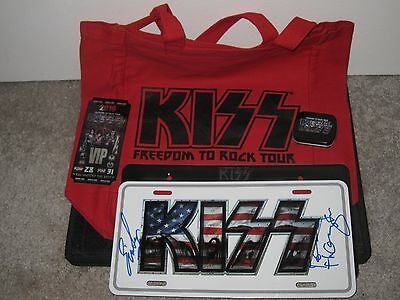 Kiss Vip Merchandise Freedom To Rock Tour Guitar Picks Signed Simmons Autograph