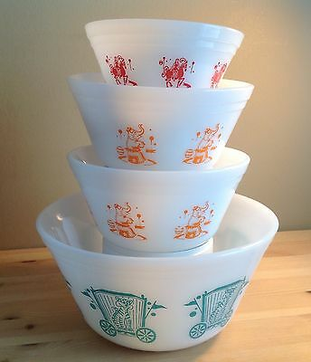 VTG Federal Glass set of 4 Mixing Bowl / Circus pattern / Excellent!