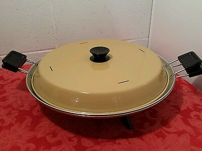 "Vintage 70's Mirro ""Watta Pizzaria"" Electric Pizza Maker Baker Oven Harvest Gold"