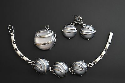 925  Sterling Silver Set with Silver Pearl stone Earrings, Pendant and Bracelet.