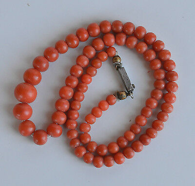 ANTIQUE VICTORIAN undyed dark PINK SALMON CORAL beaded graduated NECKLACE 15.5""