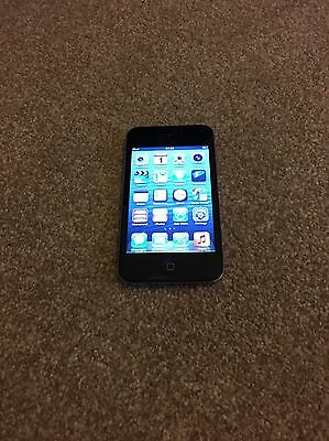 Apple iPod touch 4th Generation Black (8GB) Working Cracked Screen
