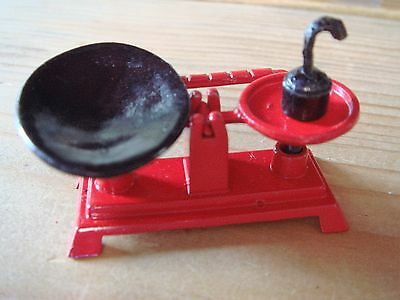 Dolls house miniatures, kitchen scales, 1/12th scale.