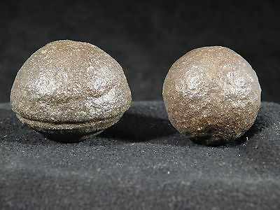 A Small Pair of Moqui Marbles or Shaman Stones from Southern Utah 58.9gr
