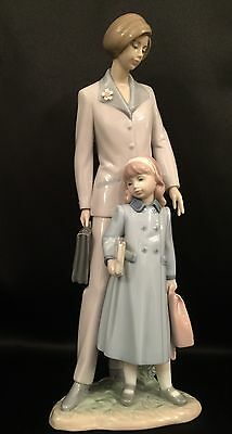 """LLadro """"On Our Way"""" Mother/Child/Career (6544 Mint Condition)"""