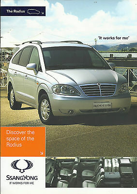 SSANGYONG RODIUS 270S 270ES 270EX c2008 2009 UK market brochure & specifications
