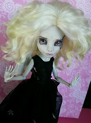Monster high doll OOAK repaint + ooak dress